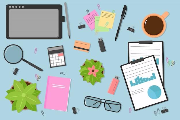 Вид сверху современного и стильного рабочего места. фон рабочего стола на рабочем месте. ноутбук, компьютер, папка, документы, блокнот, визитка, кофе, флешка, очки, карандаш, ручка. иллюстрации.