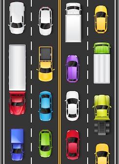 道路上の車やトラックの上面図。高速道路を運転します。図