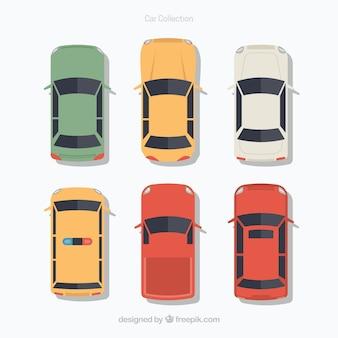 Вид сверху шести плоских автомобилей