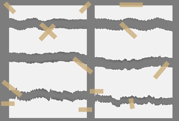 찢어진 찢어진 종이 시트와 스티커. 회색 배경에 걸린 텍스트 또는 메시지에 대해 흰색 찢어진 빈 가로 줄무늬.