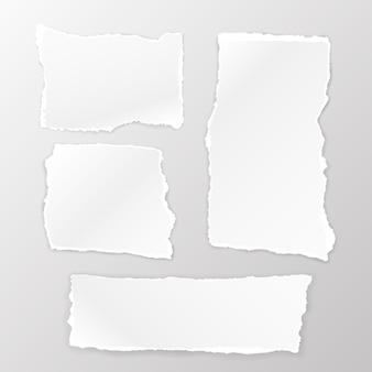찢어진된 정사각형 종이 흰색 배경에 설정합니다. 벡터 일러스트 레이 션