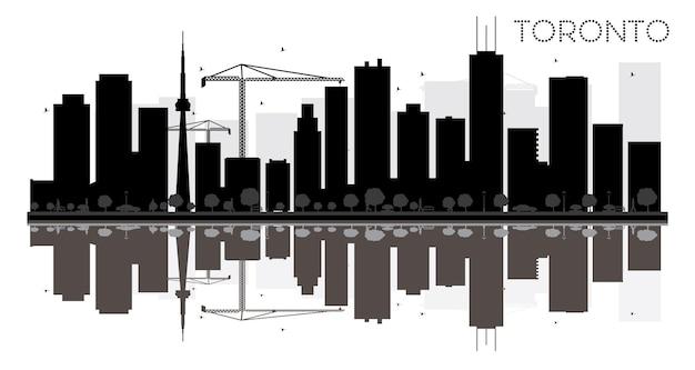 Черно-белый силуэт горизонта города торонто с отражениями. векторная иллюстрация. простая плоская концепция для туристической презентации, баннера, плаката или веб-сайта. городской пейзаж с достопримечательностями.