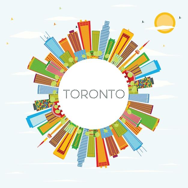 Горизонт торонто с цветными зданиями, голубым небом и копией пространства. векторные иллюстрации. деловые поездки и концепция туризма с исторической архитектурой. изображение для презентационного баннера и веб-сайта.