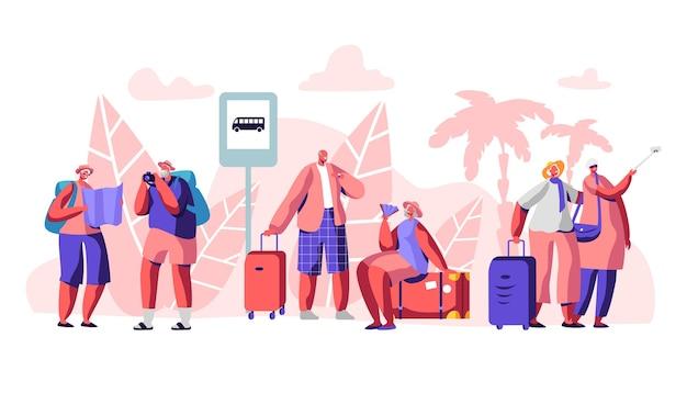 관광 캐릭터는 야자수가있는 열대 지방의 버스 정류장에 서 있습니다. 여행 사람들 개념 그림
