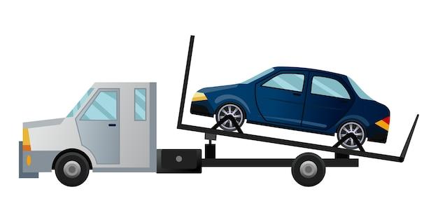 Эвакуатор. классный плоский тягач с разбитой машиной. автомобиль автосервиса с поврежденным или утилизированным автомобилем.