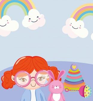 小さな子供が漫画をするおもちゃオブジェクト、眼鏡をかけた人形、ウサギのピラミッド、ガラガラのイラスト