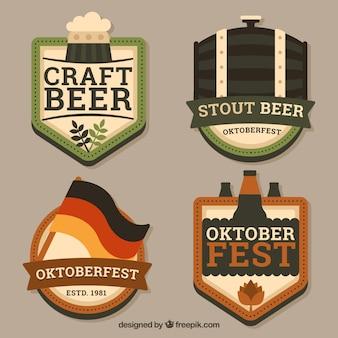 Distintivi tradizionali per la celebrazione oktoberfest