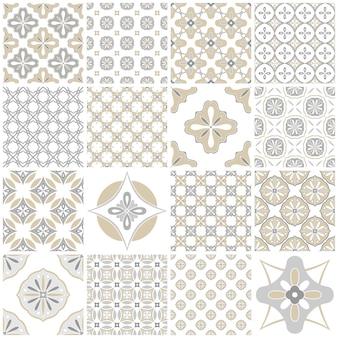 Традиционные богато украшенные португальскими плитками азулежу. старинные картины для текстильного дизайна. геометрическая мозаика, майолика. бесшовные геометрический рисунок. декоративный фон. старинный цветочный узор.