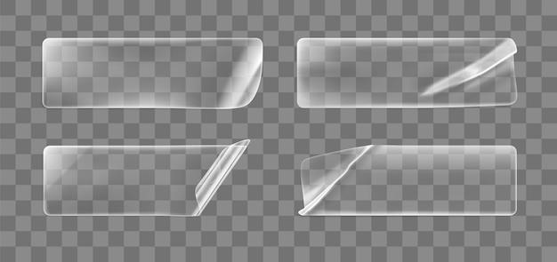 角が丸まった透明な接着剤のしわくちゃの長方形のステッカーは、セットをモックアップします。カールやしわのある効果のある空白の粘着性の透明な紙またはプラスチックのステッカーラベル。 3dリアルなベクトルアイコン。