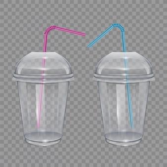 빨대를 마시는 투명한 플라스틱 컵. 스무디 또는 레모네이드 용.