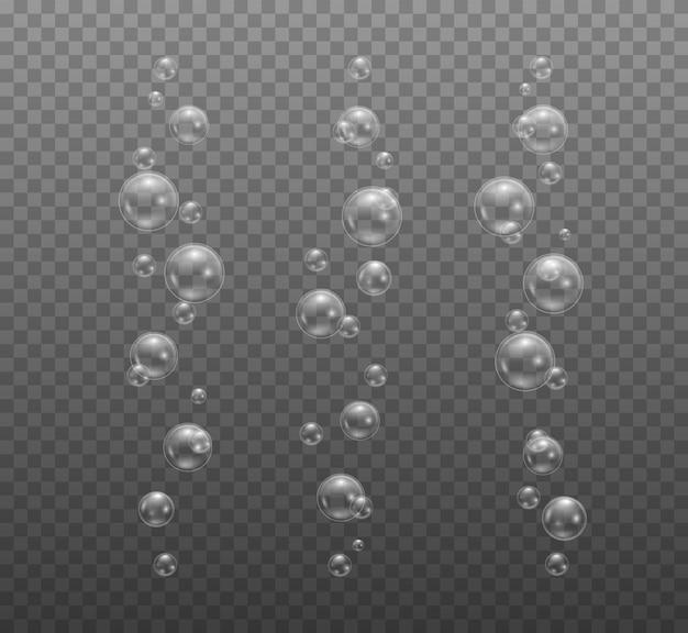 투명하고 사실적인 비누 거품. 투명한 물 거품.