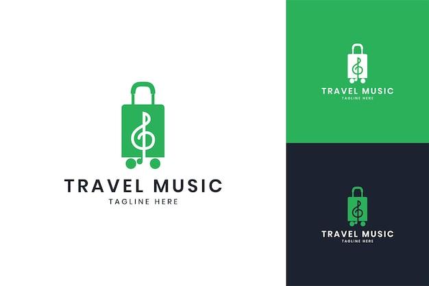 旅行音楽のネガティブスペースのロゴデザイン