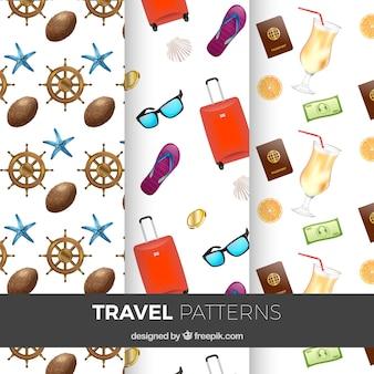 Модели путешествий с чемоданом и другими элементами