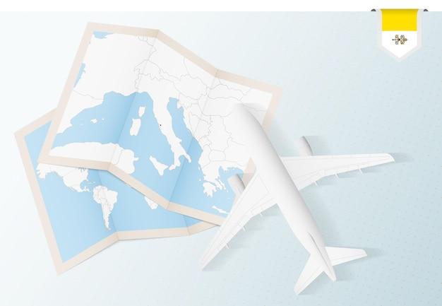 바티칸 시국의 지도와 국기가 있는 탑 뷰 비행기인 바티칸 시국으로 여행하십시오.