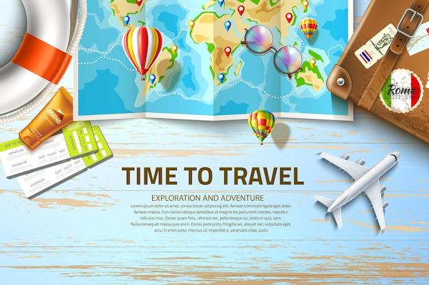 Маршрут путешествия на карте мира с навигационными тегами за столом с винтажным чемоданом самолета авиалайнера