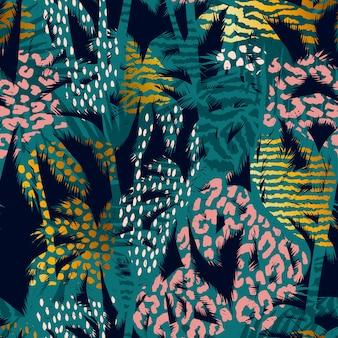 Модный бесшовный экзотический узор с пальмами, животными отпечатками и рисованной текстурой.