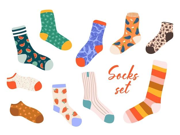 Модный комплект чулок и носков. симпатичные рисованной чулочно-носочные изделия на белом