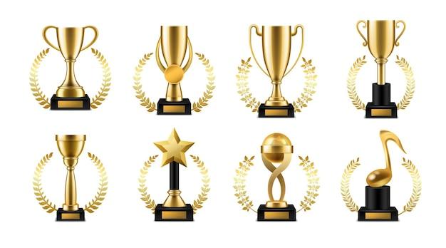 황금 월계관이 있는 트로피 컵. 현실적인 금 스포츠 또는 음악 우승자 상, 수상식에서 우승자를 위한 화환 프레임 컬렉션이 있는 승리 잔, 리더십 및 성공 3d 벡터 세트의 상징