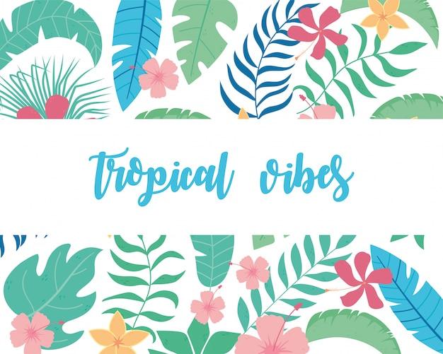 Тропическая атмосфера с экзотическими пальмовыми листьями и цветочными цветами
