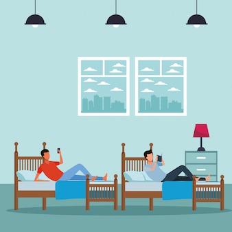 Номер с двумя кроватями и безликие люди