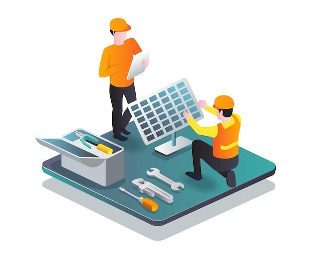 Два строителя устанавливают солнечные батареи