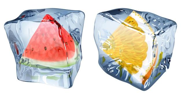 Два кубика льда с замороженными дольками арбуза и апельсина