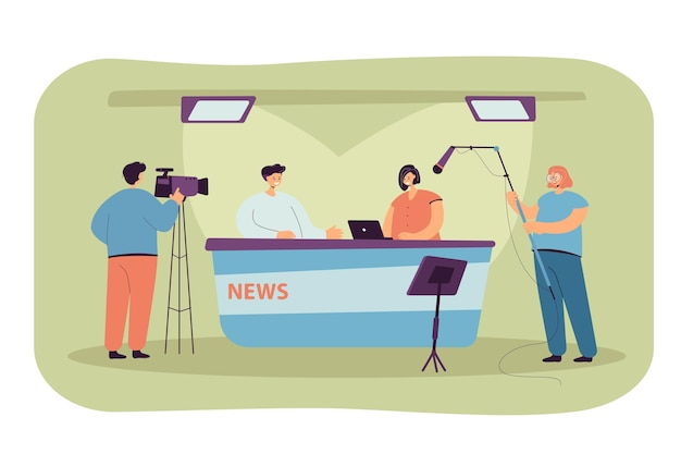 テレビスタジオの机に座っている2人のジャーナリストは平らなイラストを分離しました。