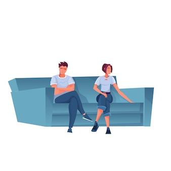 ソファフラットに座っている2人の気分を害した悲しい人々