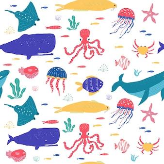 수중 생물 물고기, 해파리, 문어, 흰동가리, 바다 식물, 산호, 직물, 직물, 벽지, 보육 장식, 지문, 유치한 매끄러운 패턴을 위한 해양 동물로 설정됩니다. 벡터
