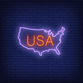 レンガの背景にアメリカの地図。ネオンスタイルのイラスト。 usaバナー。