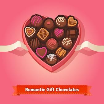 День святого валентина, праздничные конфеты в коробке