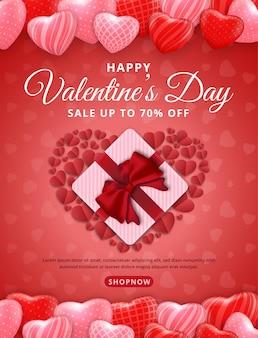 赤にハートのバレンタインデーセールポスターまたはバナー。