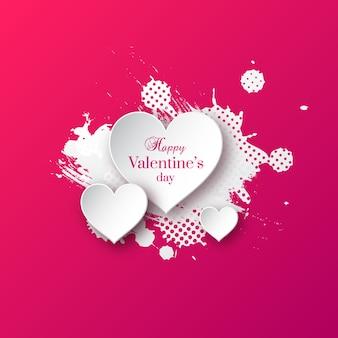 День святого валентина с сердечками белой бумаги и всплеск акварели.