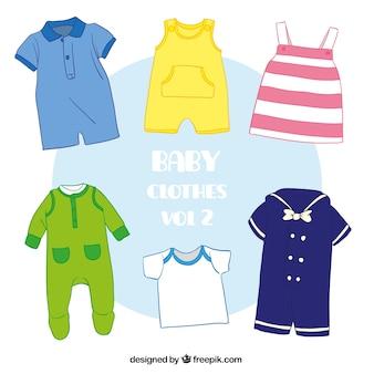 かわいい赤ちゃんの服の様々な