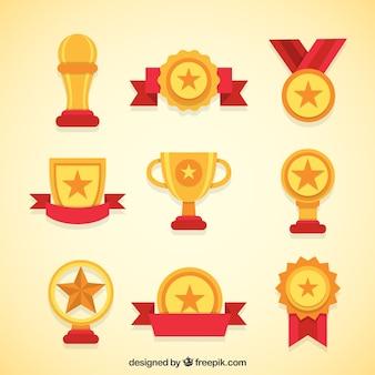 黄金のトロフィーとメダルの様々な