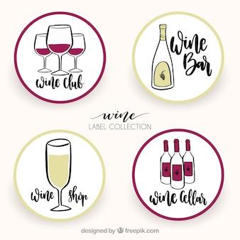 Разнообразие круглых винных наклеек в стиле ручной росписи