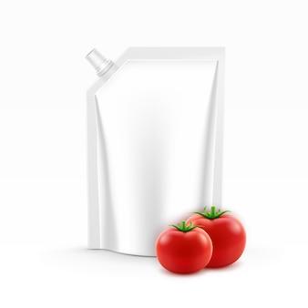 ベクトルブランクプラスチックスタンドアップパックまたはポーチホイルトマトケチャップの角蓋付き