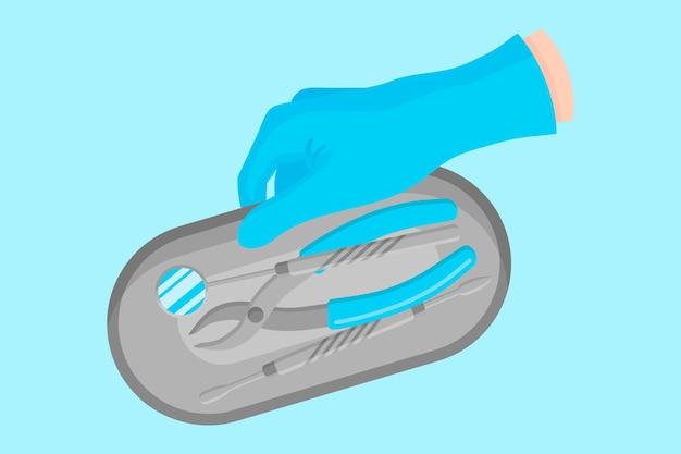 Векторный мультфильм рука стоматолога в синей перчатке, которая держит стоматологический металлический поднос для хранения инструментов с зеркалом и т. д.