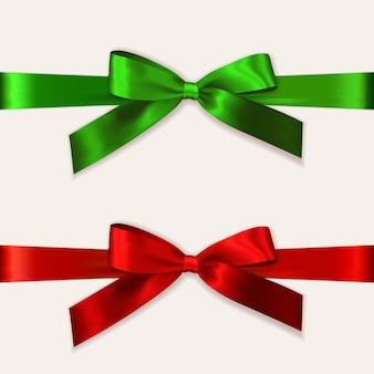 分離された水平リボンでカラフルな赤と緑の弓をベクトルします。