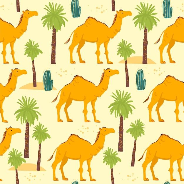 노란색 배경에 격리된 손으로 그린 사막 낙타 동물, 선인장, 야자수가 있는 벡터 플랫 매끄러운 패턴입니다. 포장지, 카드, 벽지, 선물 태그, 보육 장식 등에 좋습니다.