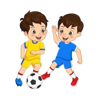 サッカーボールを遊んでいる漫画の子供たちのベクトル図