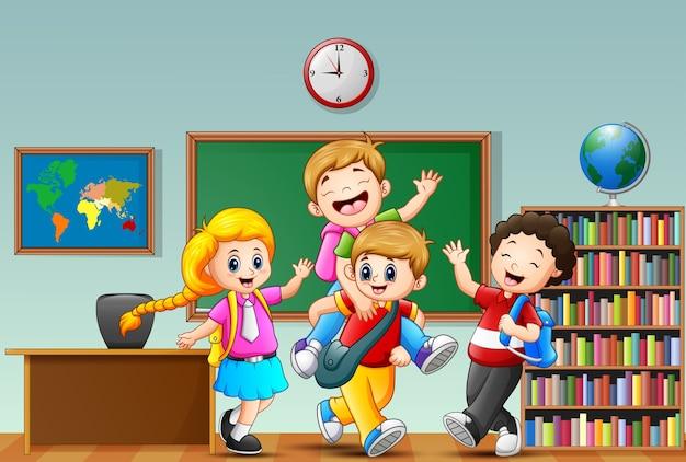 幸せな子供たちの漫画の教室でのベクトル図