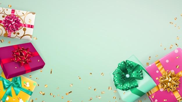 밝은 녹색 배경에 리본, 활, 그림자, 반짝이는 작은 뱀 조각이 있는 여러 가지 빛깔의 선물 상자에 대한 벡터 그림