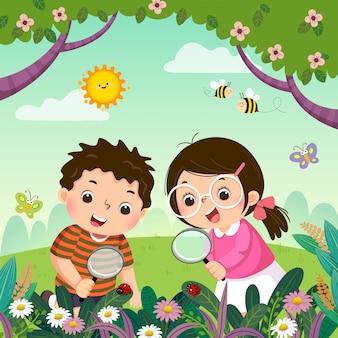 Векторная иллюстрация двух детей, глядя через увеличительное стекло на божьих коровок на растениях. дети наблюдают за природой.