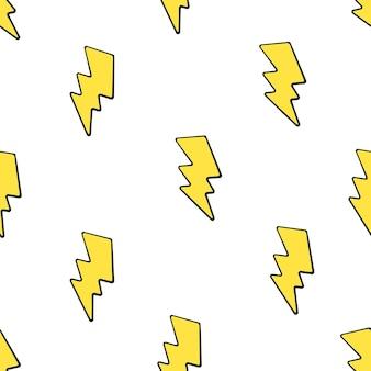 ベクトルイラスト白い背景の上のかわいい黄色の電気稲妻とのシームレスなパターン