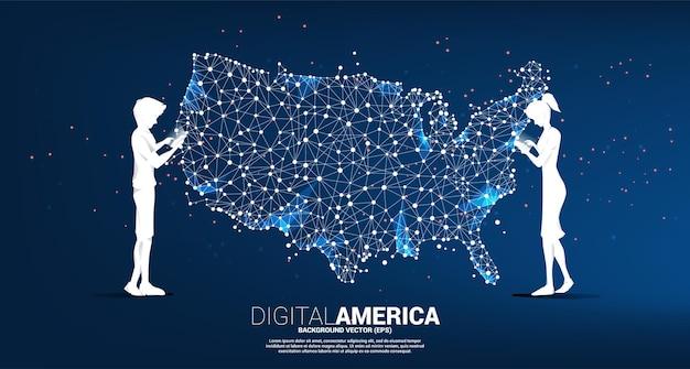 벡터 남자와 여자는 폴리곤 도트 연결 라인에서 미국 지도와 함께 휴대 전화를 사용합니다. 미국 디지털 네트워크 연결에 대한 개념입니다.