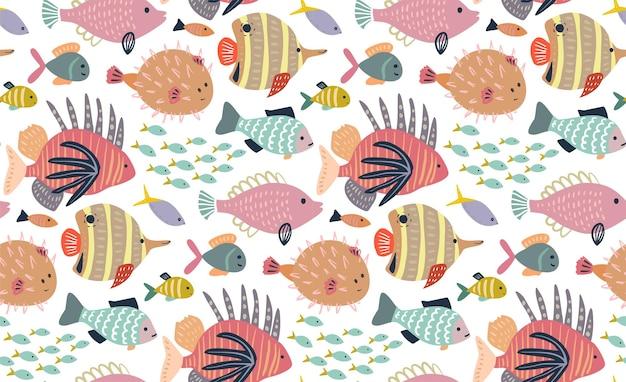 Бесшовный узор вектор с различными красочными экзотическими рыбами