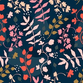 벡터 원활한 추세 패턴입니다. 잎, 열매, 꽃이 있는 밝은 나뭇가지와 가지. 줄기에 꽃잎이 있는 낙서 스타일 새싹. 배경이나 포장지를 위한 현대적인 귀여운 장식.