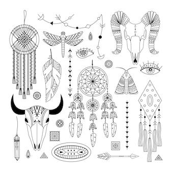 自由奔放に生きるイラストのベクトルセット。線画。 dreamcathers、動物の頭蓋骨、羽と矢
