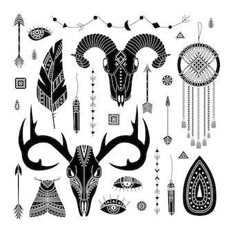 自由奔放に生きるイラストのベクトルセット。シンプルなスタイル。 dreamcathers、動物の頭蓋骨、羽と矢